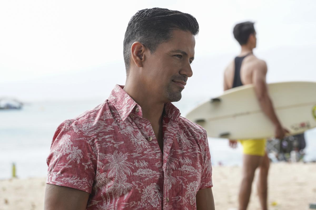 Magnum P.I.: Jay Hernandez on the beach