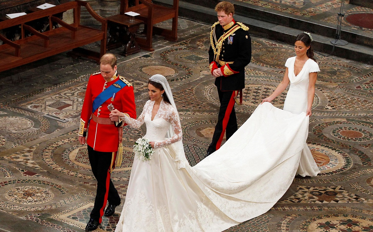 Prince William and Kate Middleton leave Westminster Abbey after wedding ceremony, followed by Prince Harry and Pippa Middleton
