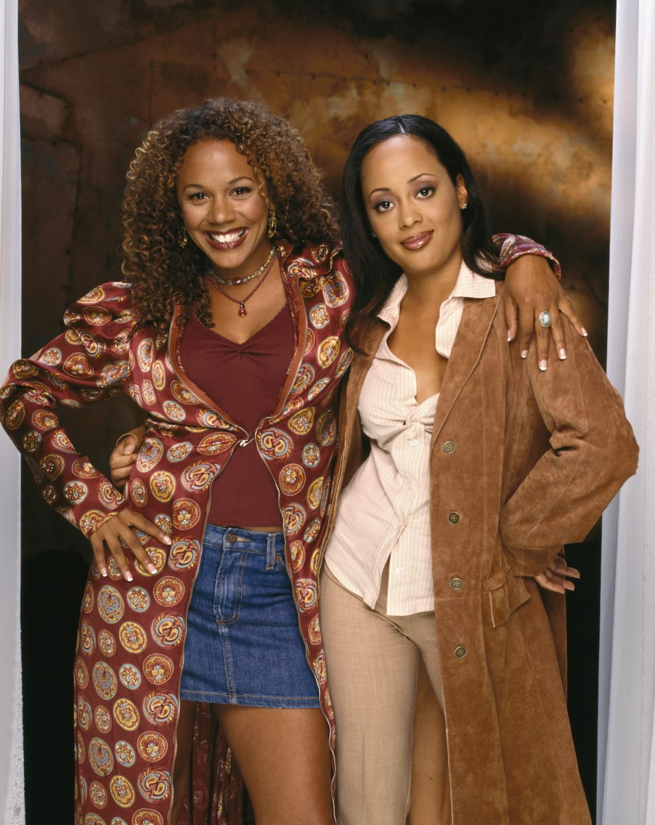 Rachel True and Essence Atkins standing side by side for a photo shoot for 'Half & Half'