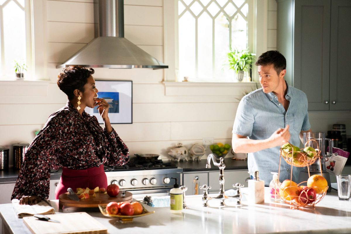 Sweet Magnolias: Helen and Ryan in the kitchen