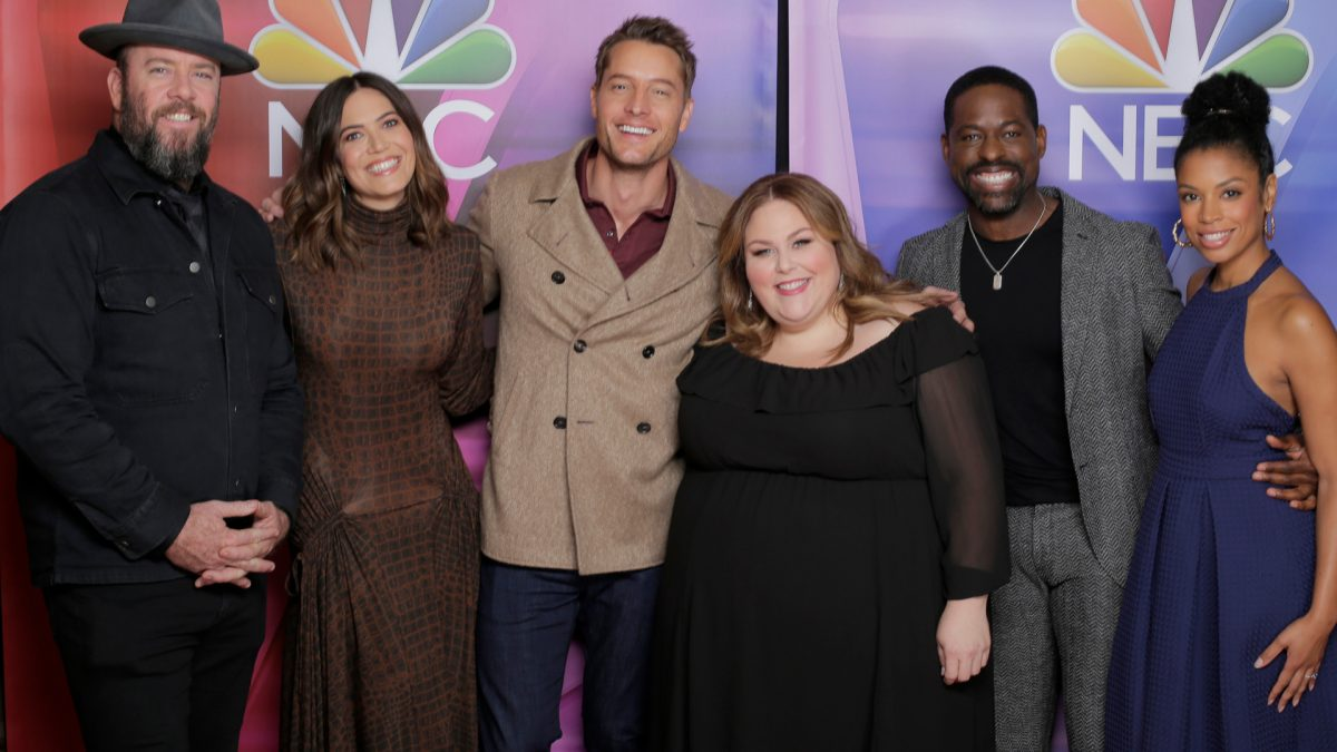 'This Is Us' cast members Chris Sullivan, Mandy Moore, Justin Hartley, Chrissy Metz, Sterling K. Brown, and Susan Kelechi Watson on the red carpet at the NBCUniversal Press Tour, January 11, 2020