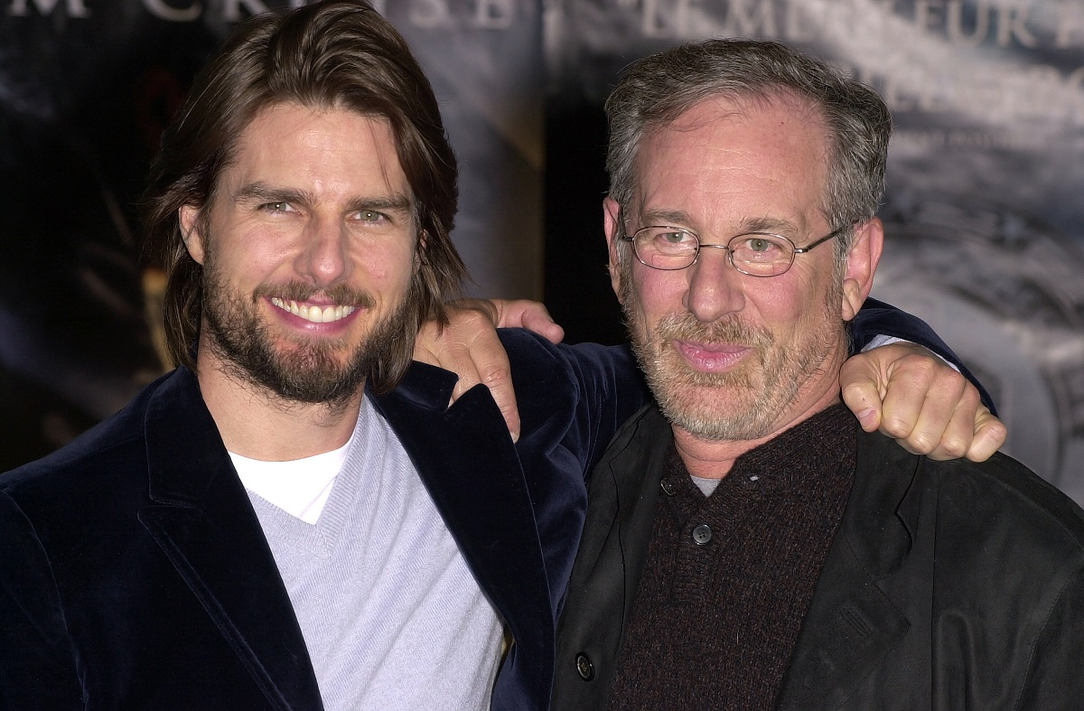 Tom Cruise and Steven Spielberg smiling at the cameras at the premiere of 'Minority Report'