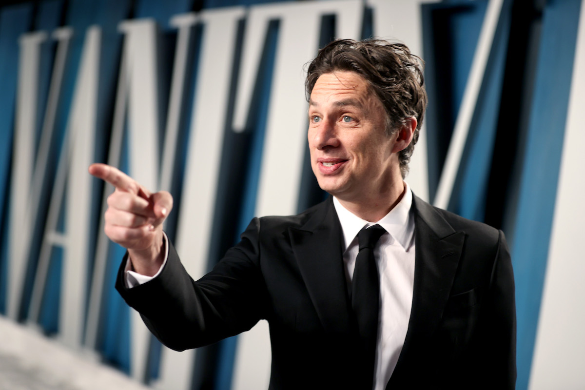 Zach Braff, who is nominated for a 2021 Emmy Award, in a suit at the 2020 Vanity Fair Oscar Party.