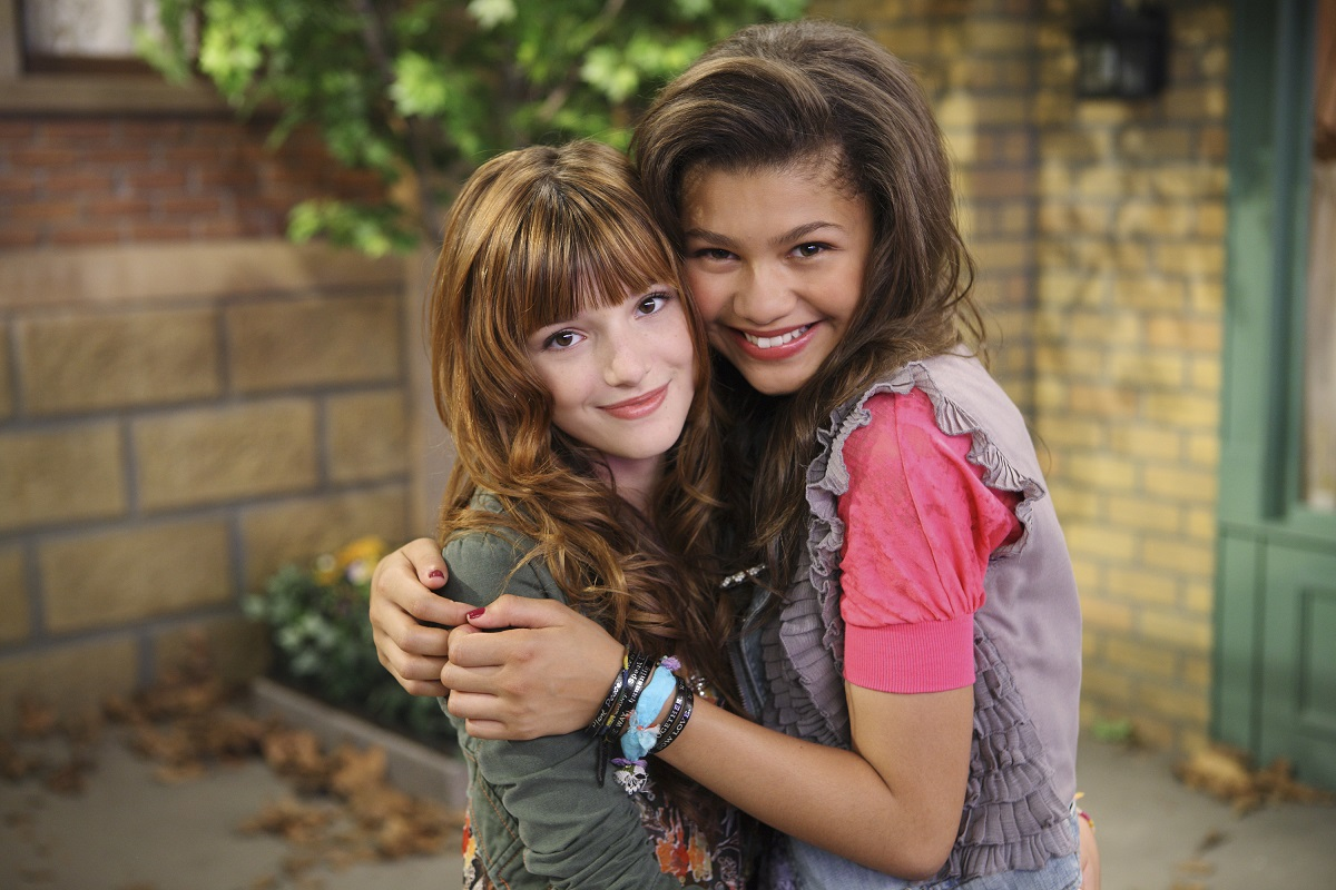 (L-R): Bella Thorne and Zendaya in 'Shake It Up'