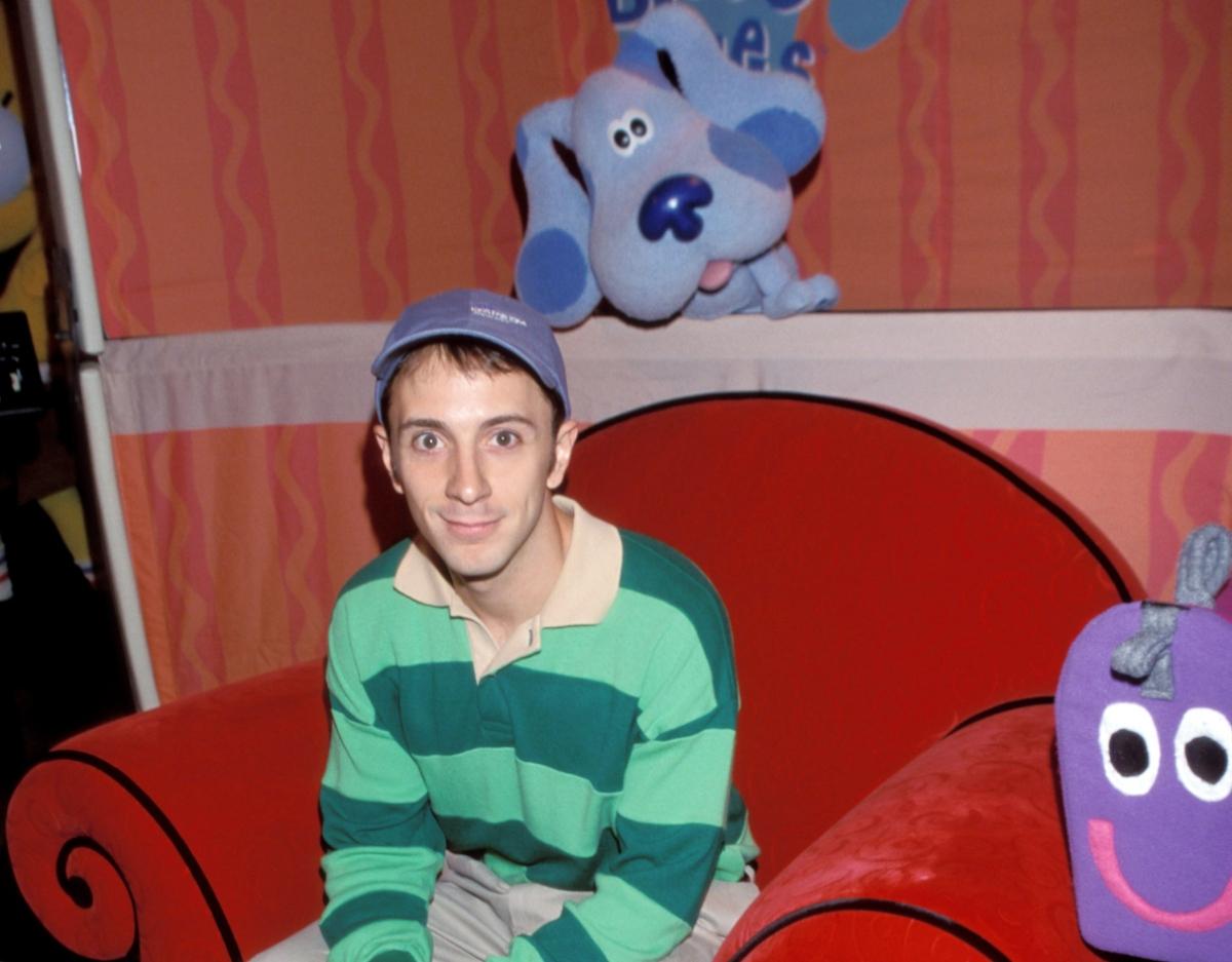 Steve Burns of 'Blues Clues' at a Kids for Kids fundraiser, 1999