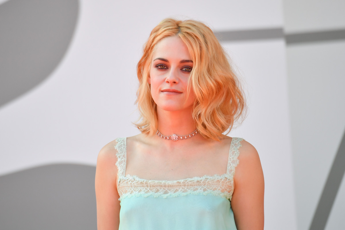 Kristen Stewart in blue top.