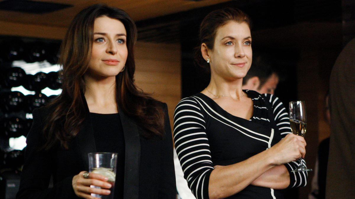 Caterina Scorsone as Amelia Shepherd and Kate Walsh as Addison Montgomery stand together in the 'Grey's Anatomy' spinoff 'Private Practice'