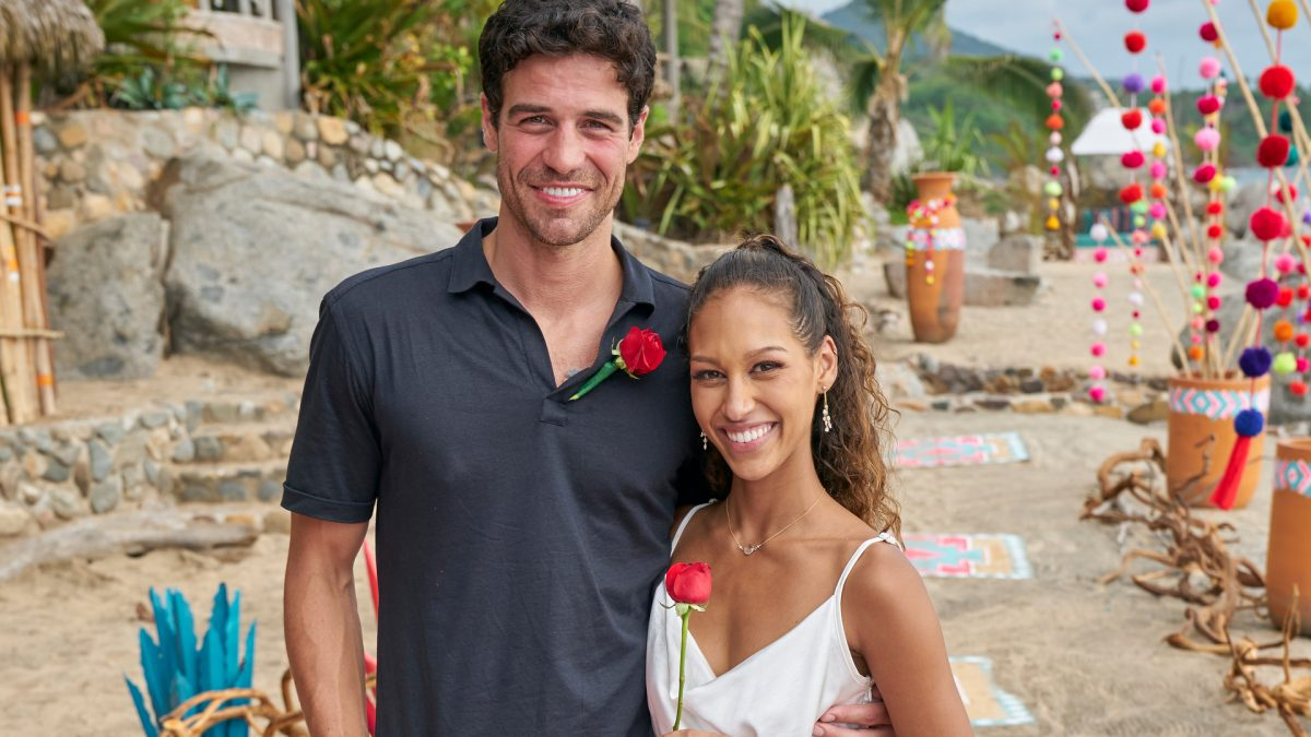 Joe Amabile and Serena Pitt pose together after their engagement in the 'Bachelor in Paradise' Season 7 finale in 2021