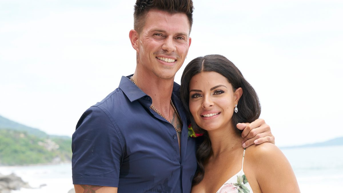 Kenny Braasch and Mari Pepin-Solis pose together after their engagement in the 'Bachelor in Paradise' Season 7 finale in 2021