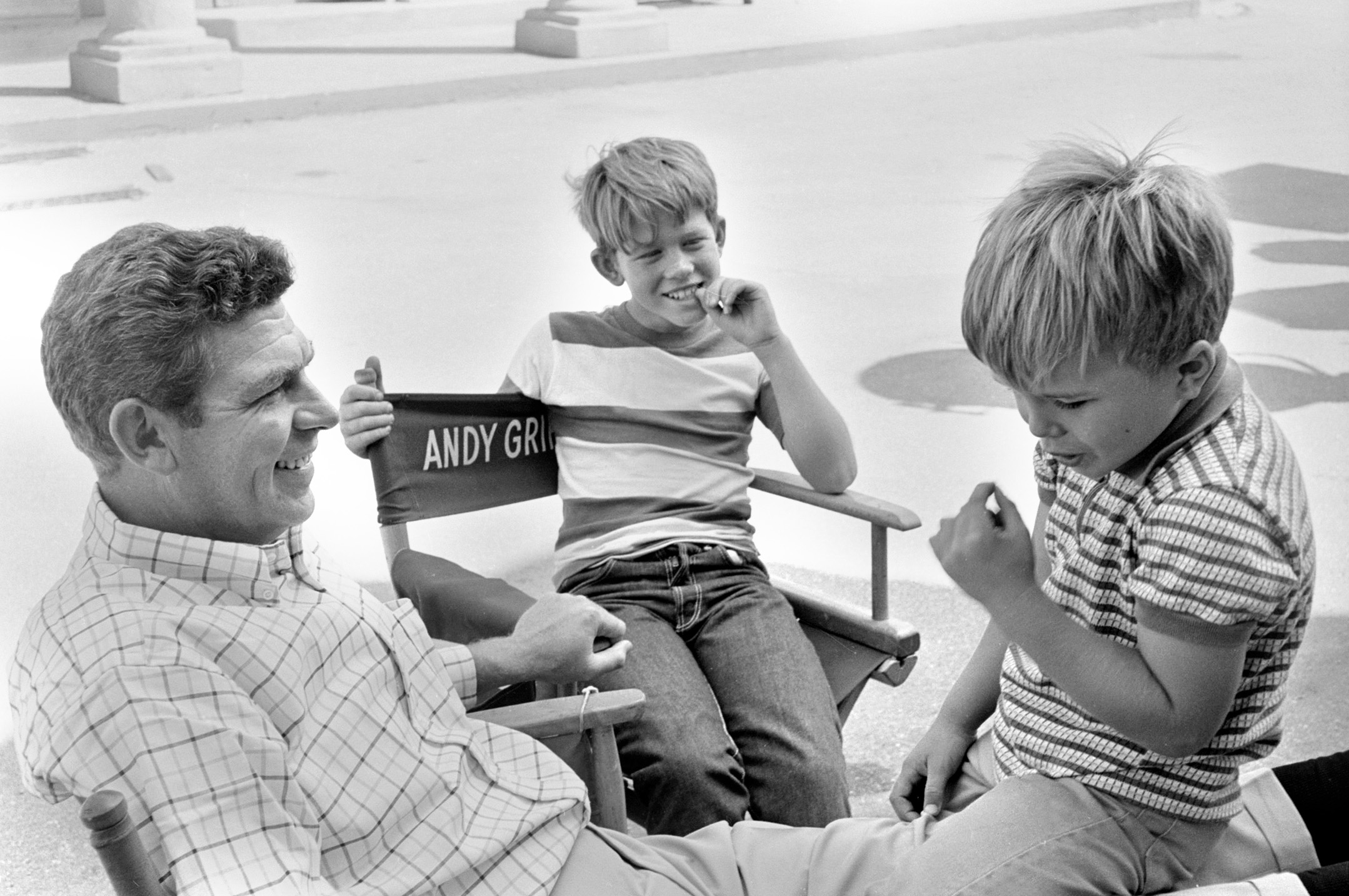 Actors Andy Griffith, Ron Howard, and Clint Howard on the 'Andy Griffith Show' set