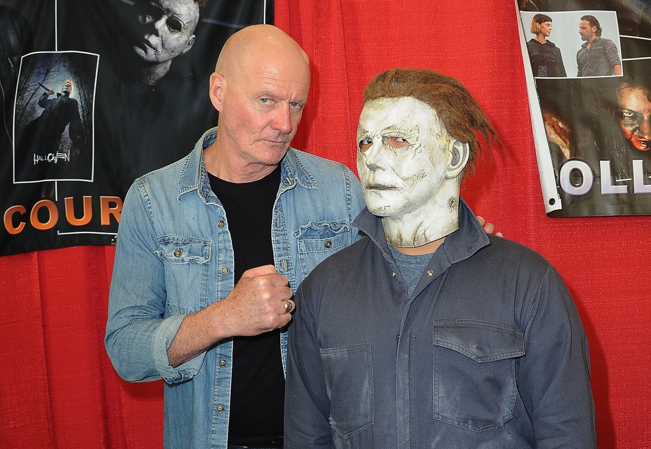 'Halloween' actor James Jude Courtney at Monsterpalooza, 2019 with Michael Myers cosplayer.