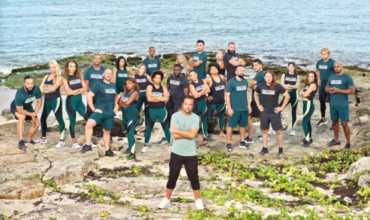 The Challenge; All Stars season 2 official cast photo with TJ Lavin